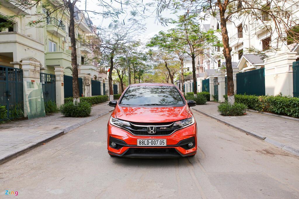 Cảm nhận Honda Jazz: Xe nhập nhỏ gọn cho phụ nữ - Hình 8