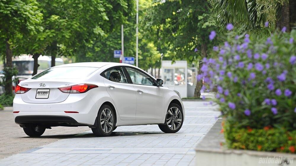 Cảm nhận Hyundai Elantra 2014 - Hình 8