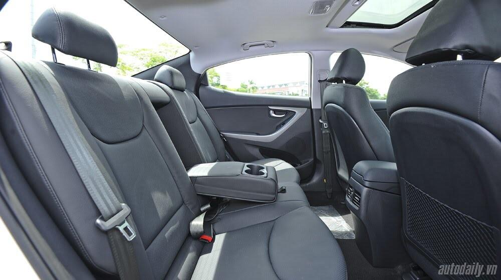 Cảm nhận Hyundai Elantra 2014 - Hình 19