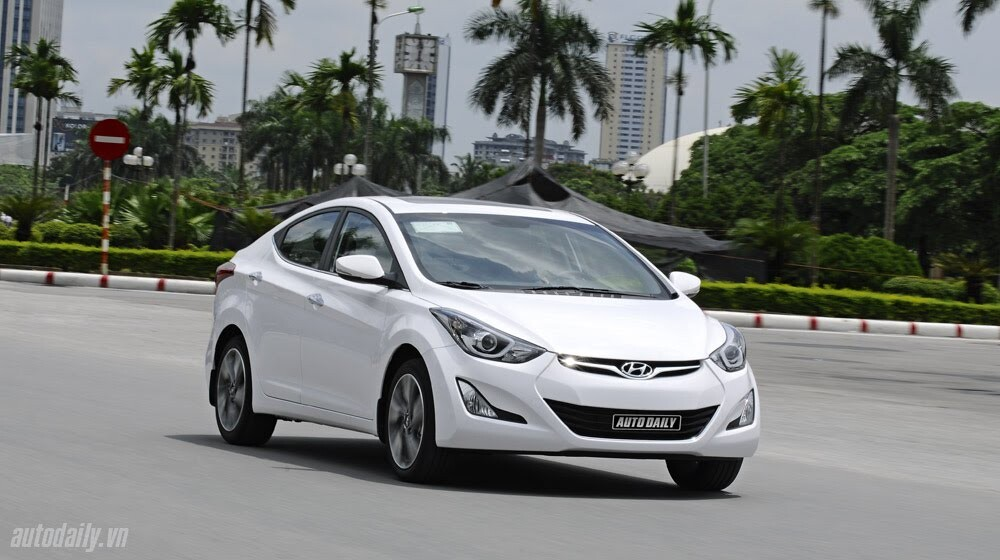 Cảm nhận Hyundai Elantra 2014 - Hình 27