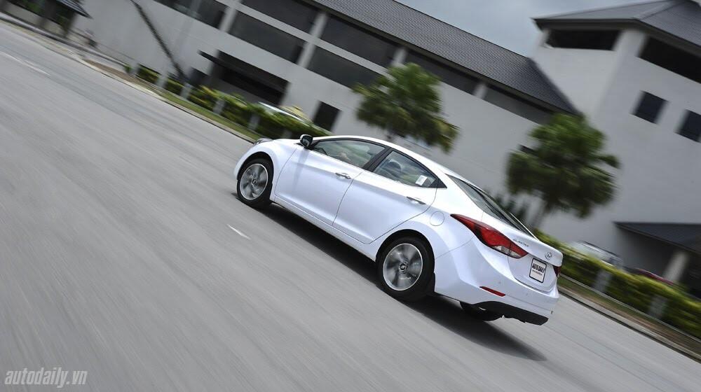 Cảm nhận Hyundai Elantra 2014 - Hình 29