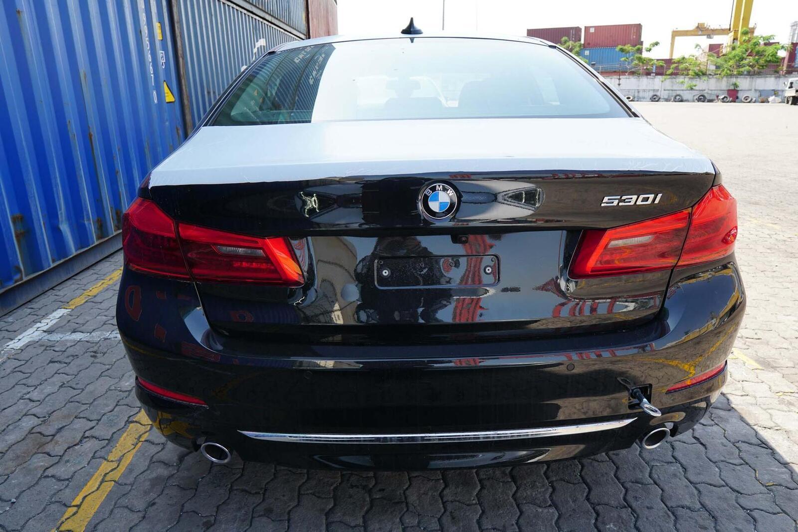 Cận cảnh BMW 5-Series mới (G30) vừa cập cảng tại Việt Nam - Hình 10