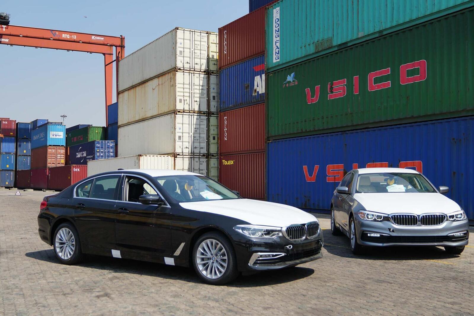 Cận cảnh BMW 5-Series mới (G30) vừa cập cảng tại Việt Nam - Hình 2