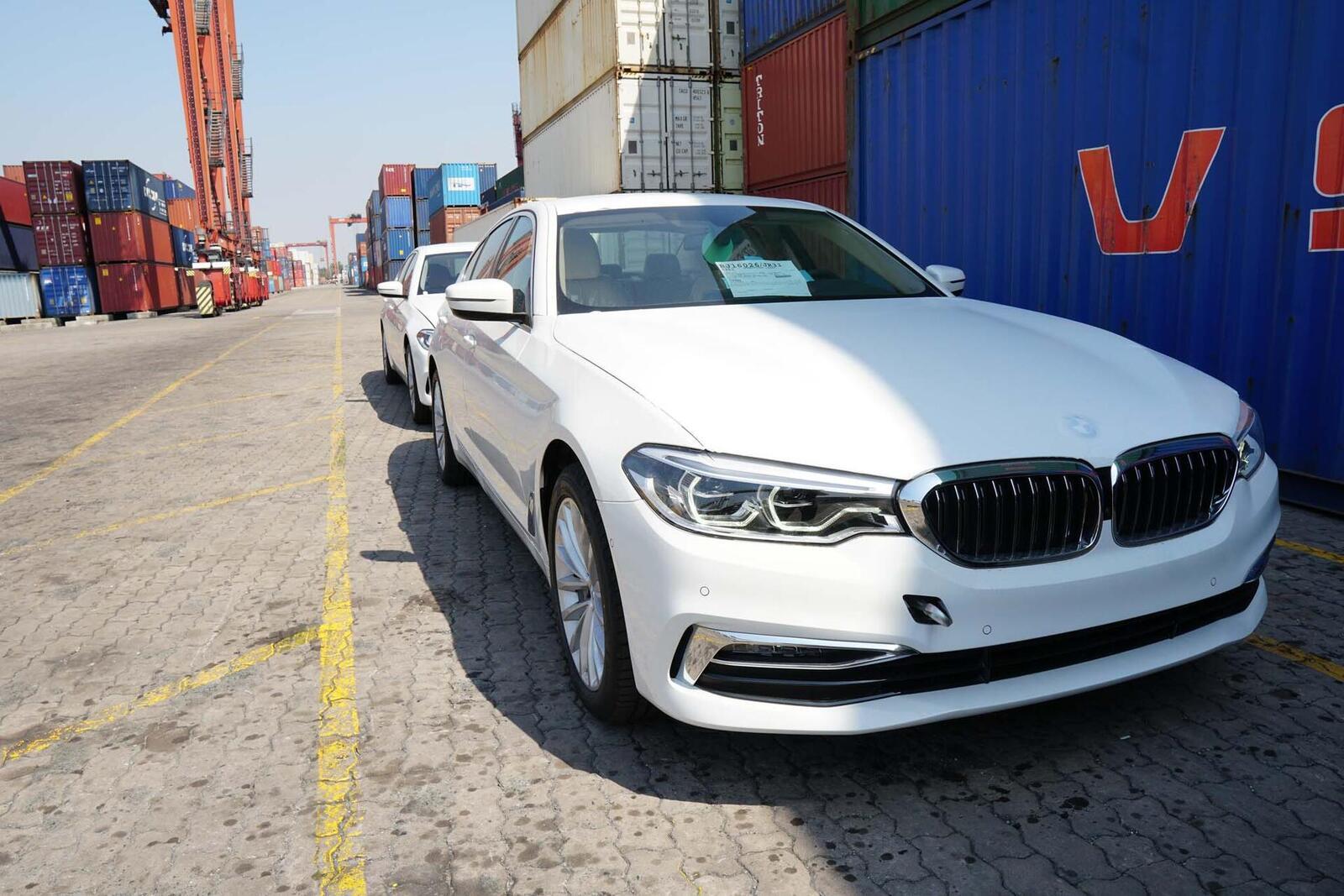 Cận cảnh BMW 5-Series mới (G30) vừa cập cảng tại Việt Nam - Hình 8