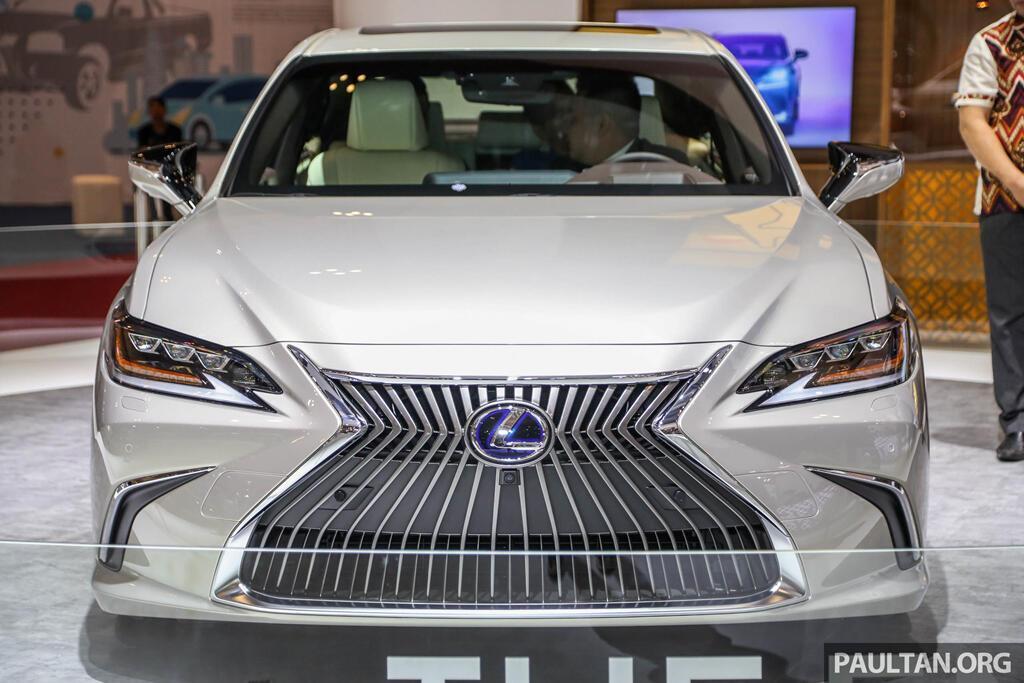 Cận cảnh Lexus ES 2019 đầu tiên cập bến Đông Nam Á - Hình 2