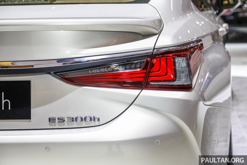Cận cảnh Lexus ES 2019 đầu tiên cập bến Đông Nam Á - Hình 6