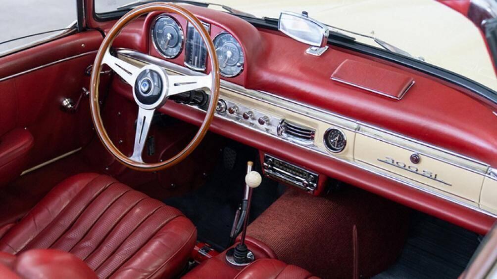 can-canh-xe-co-hang-hiem-mercedes-benz-300-sl-roadster-1961