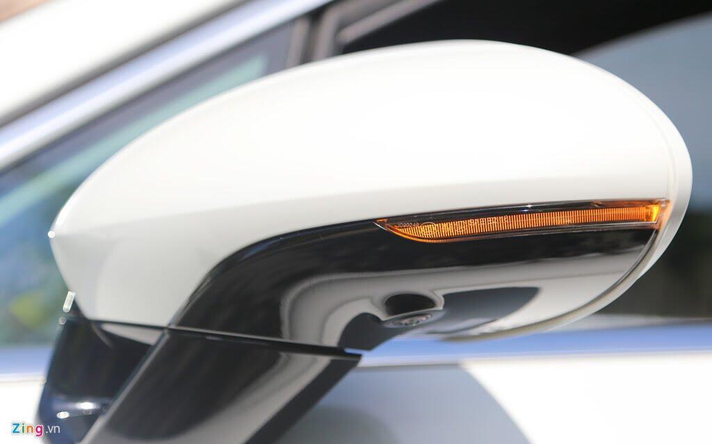 Chất thể thao trong mẫu sedan hạng sang Porsche Panamera 4S 2017 - Hình 6