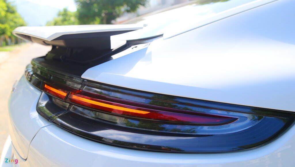 Chất thể thao trong mẫu sedan hạng sang Porsche Panamera 4S 2017 - Hình 9