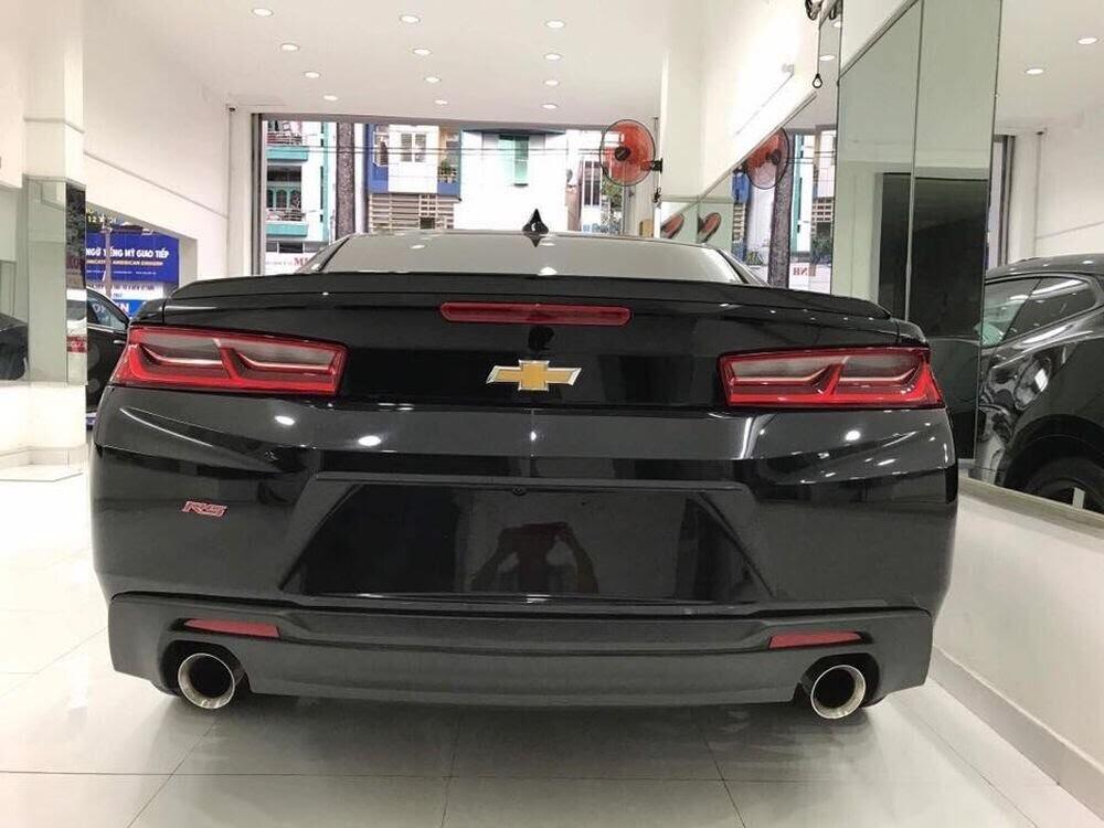 """Chevrolet Camaro RS 2017 hàng hiếm, """"đeo giày"""" Ruff mới về Việt Nam - Hình 8"""