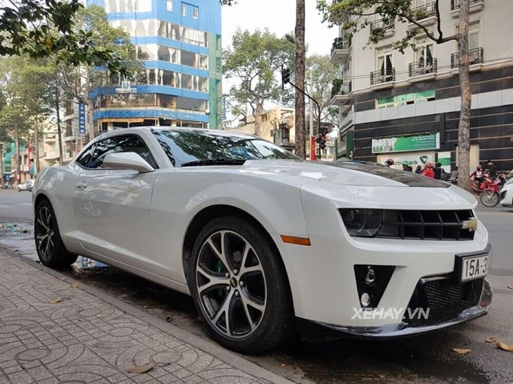 """Chevrolet Camaro RS """"tự tin"""" tỏa sáng khi xuất hiện trên đường phố Sài Gòn - Hình 3"""