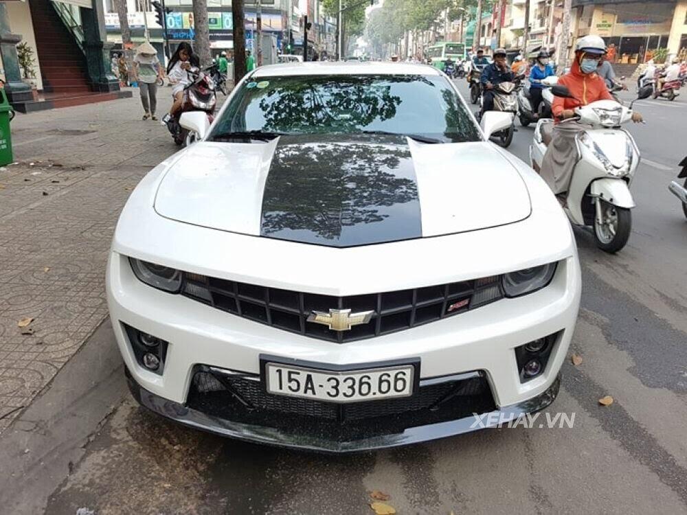 """Chevrolet Camaro RS """"tự tin"""" tỏa sáng khi xuất hiện trên đường phố Sài Gòn - Hình 4"""