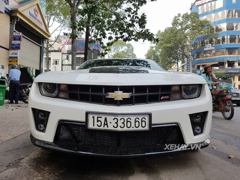 """Chevrolet Camaro RS """"tự tin"""" tỏa sáng khi xuất hiện trên đường phố Sài Gòn - Hình 7"""