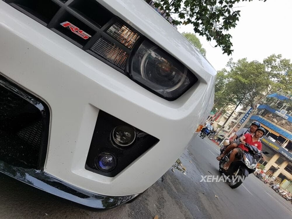 """Chevrolet Camaro RS """"tự tin"""" tỏa sáng khi xuất hiện trên đường phố Sài Gòn - Hình 8"""