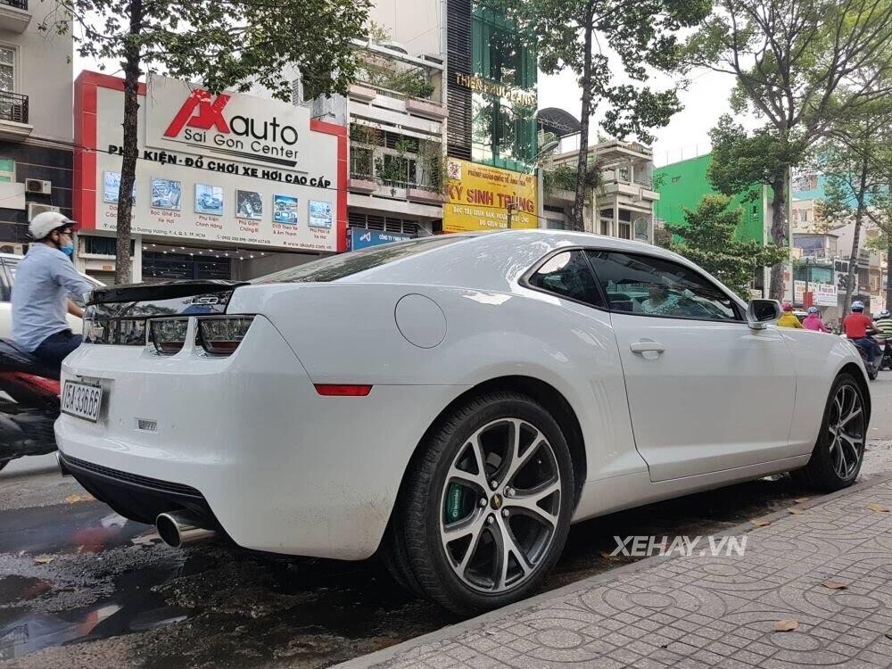 """Chevrolet Camaro RS """"tự tin"""" tỏa sáng khi xuất hiện trên đường phố Sài Gòn - Hình 9"""