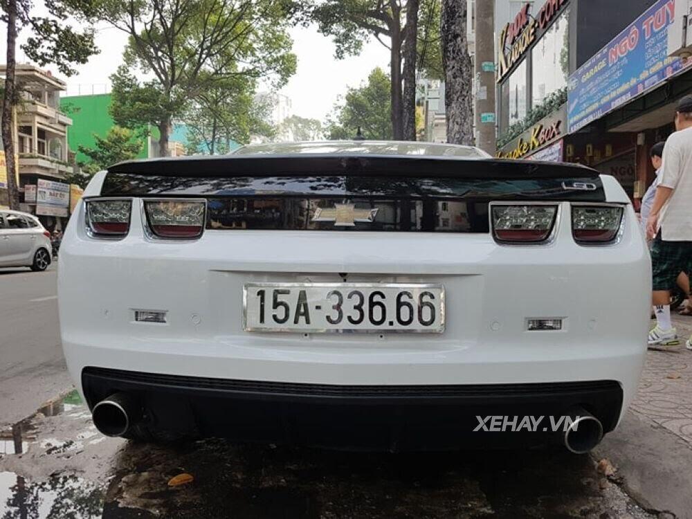 """Chevrolet Camaro RS """"tự tin"""" tỏa sáng khi xuất hiện trên đường phố Sài Gòn - Hình 11"""