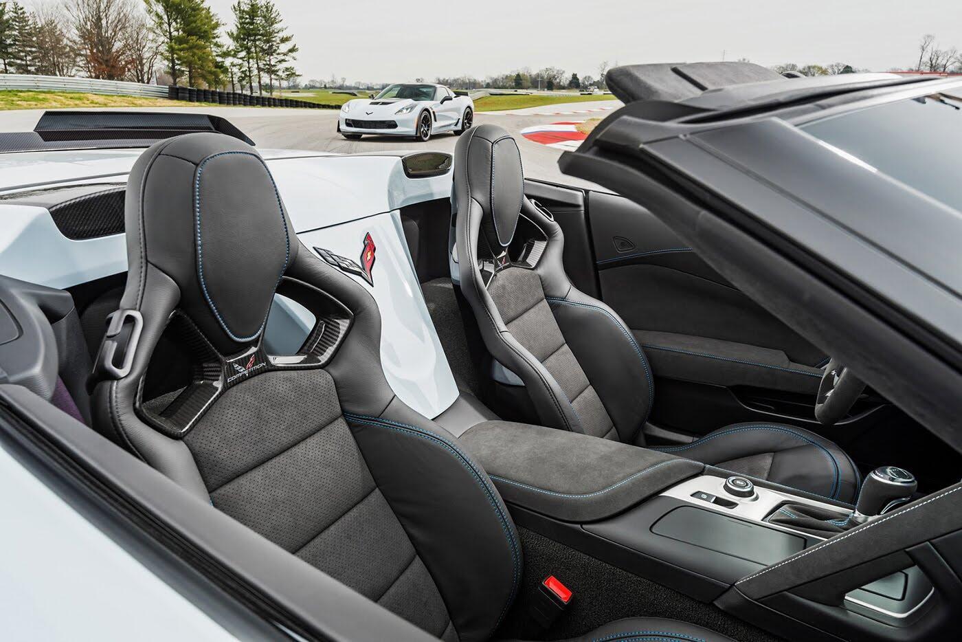 Chevrolet Corvette 2018 chính thức ra mắt, giá từ 56.490 USD - Hình 7