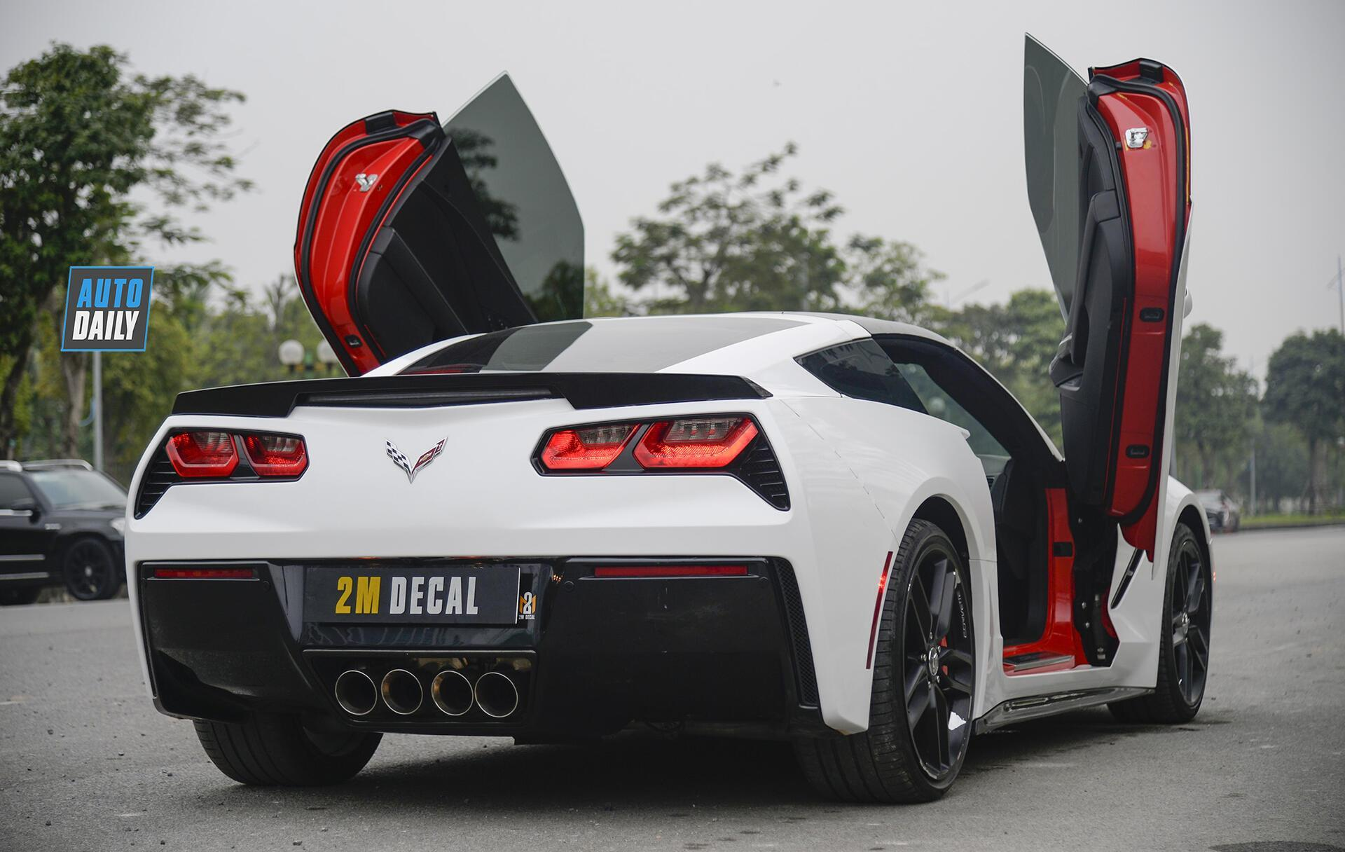 chevrolet-corvette-c7-stingray-do-cua-cat-keo-an-tuong-tai-ha-noi