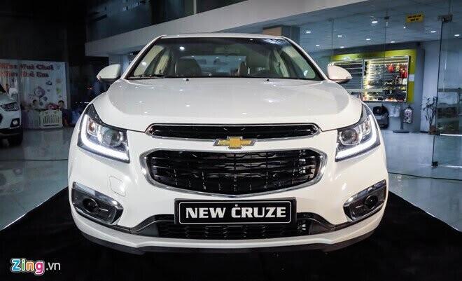 Chevrolet Cruze giảm giá 80 triệu đồng, rẻ nhất phân khúc - Hình 1