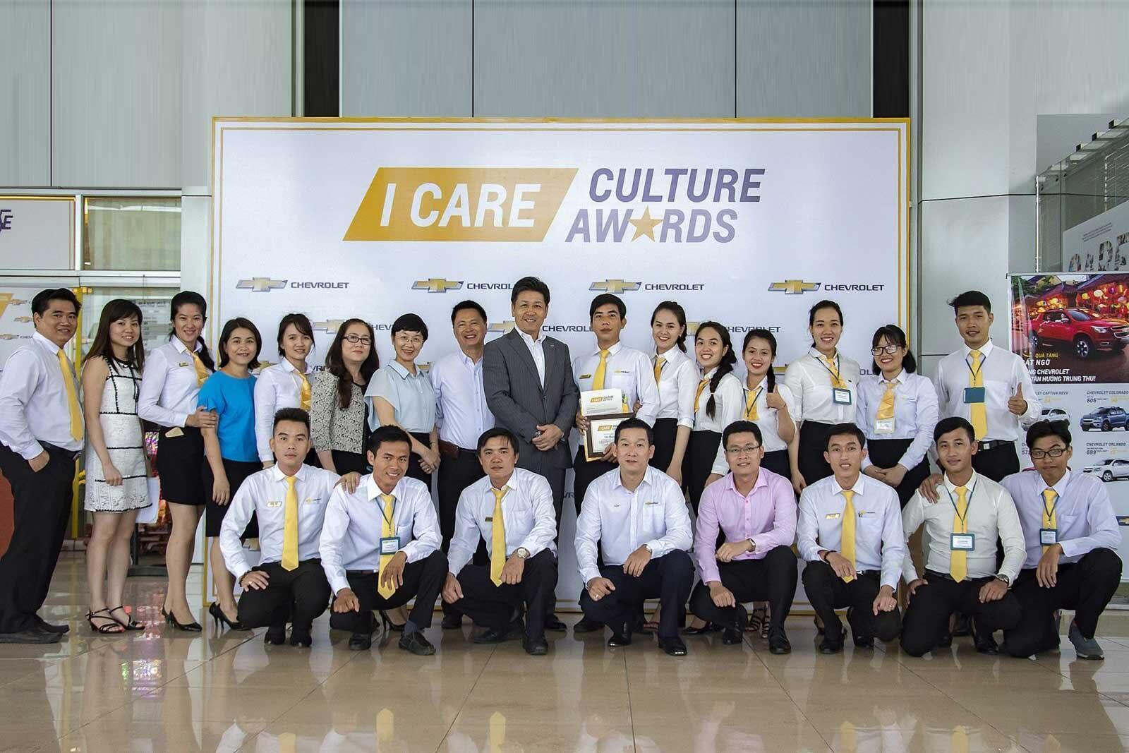 Chevrolet Nam Hải sở hữu đội ngũ nhân viên chuyên nghiệp cộng với nhiều kinh nghiệm làm việc dày dặn.