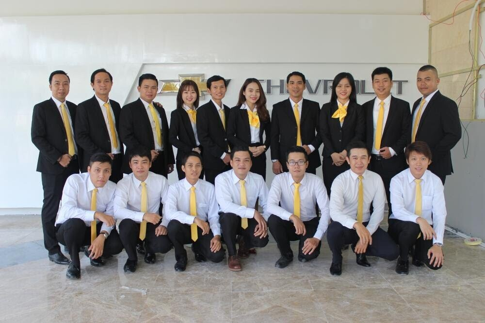 Đội ngũ nhân viên hùng hậu, nhiệt tình, giàu kinh nghiệm chắc chắn sẽ mang đến cho Quý khách hơn cả sự hài lòng.