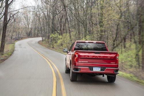 Chevrolet Silverado 2019 giá từ 29.800 USD, cạnh tranh Ford F150 - Hình 2