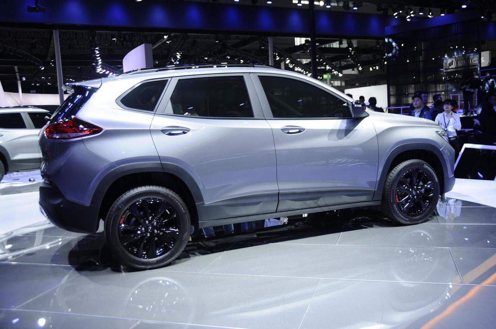 Chevrolet Tracker có giá từ 337 triệu đồng tại Trung Quốc; máy 1.0 và 1.3 tăng áp - Hình 3