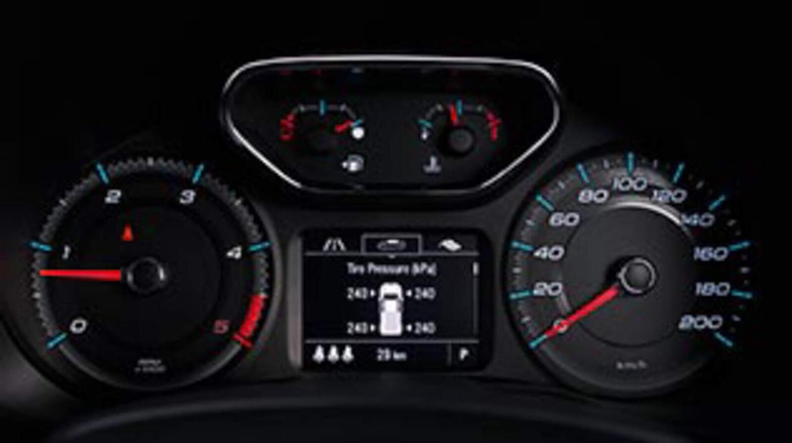 Chevrolet Trailblazer đã có giá bán; chỉ từ 859 triệu đồng - Hình 16