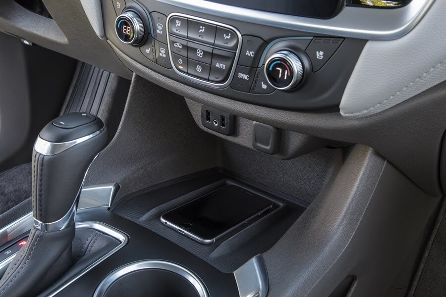 Chevrolet Traverse 2018 có giá từ 30.875 USD - Hình 17