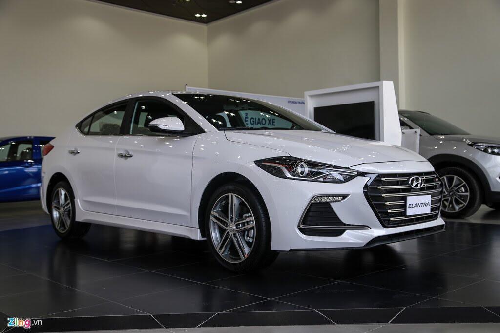 Chi tiết Hyundai Elantra Sport giá 729 triệu đồng tại Việt Nam - Hình 1