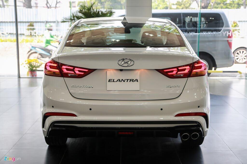 Chi tiết Hyundai Elantra Sport giá 729 triệu đồng tại Việt Nam - Hình 5