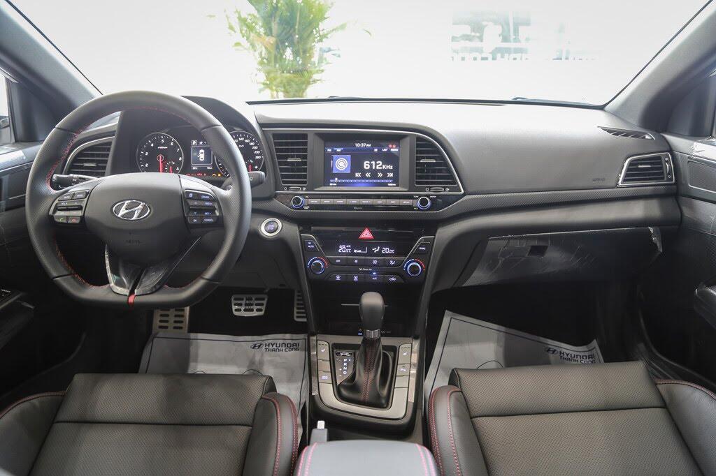 Chi tiết Hyundai Elantra Sport giá 729 triệu đồng tại Việt Nam - Hình 6