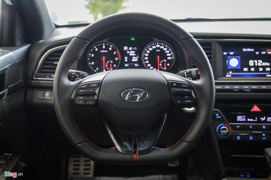 Chi tiết Hyundai Elantra Sport giá 729 triệu đồng tại Việt Nam - Hình 7