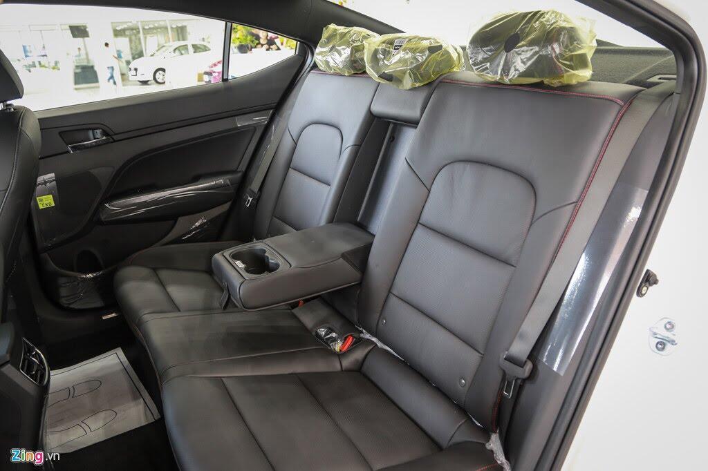 Chi tiết Hyundai Elantra Sport giá 729 triệu đồng tại Việt Nam - Hình 10