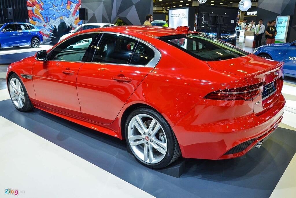 chi-tiet-jaguar-xe-facelift-doi-thu-cua-mercedes-c-class
