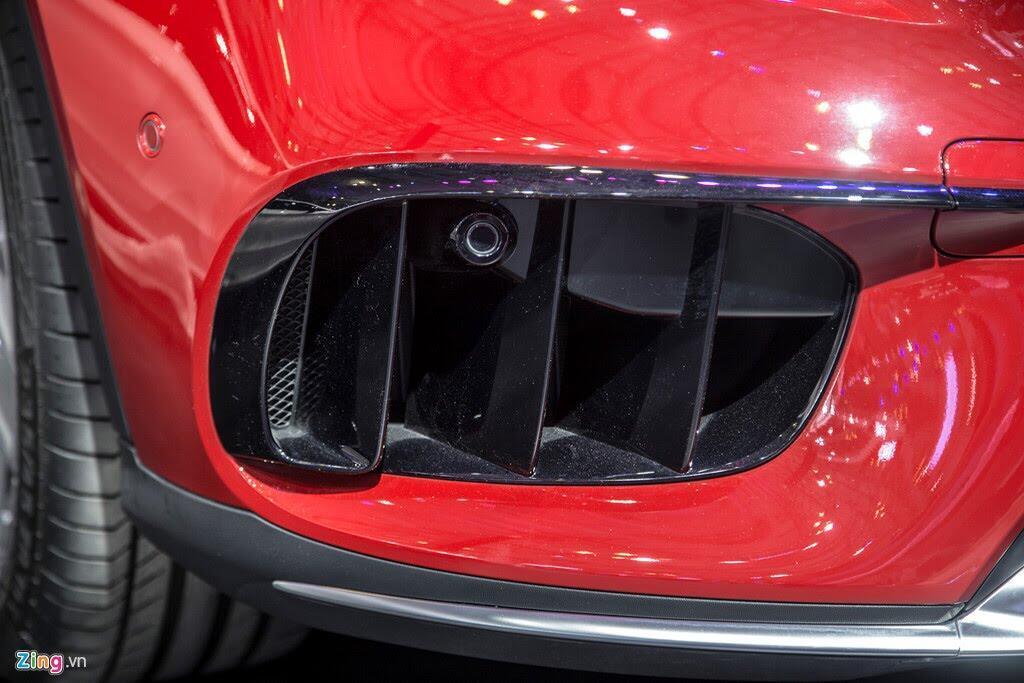 Chi tiết Mercedes GLA 45 AMG giá 2,4 tỷ vừa ra mắt tại VN - Hình 8