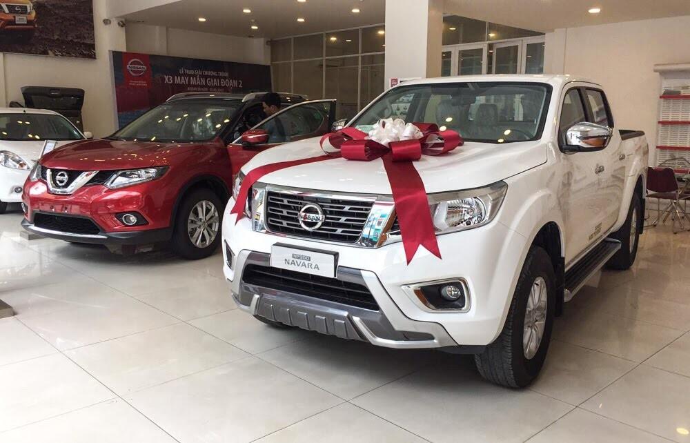 Chi tiết Nissan NP300 Navara Premium R và X-Trail Premium L vừa ra mắt - Hình 1