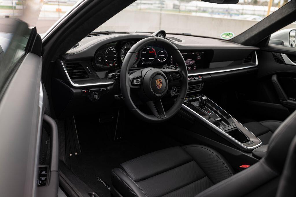 chi-tiet-porsche-911-turbo-s-2021-650-ma-luc-800-nm-va-nhieu-dieu-thu-vi