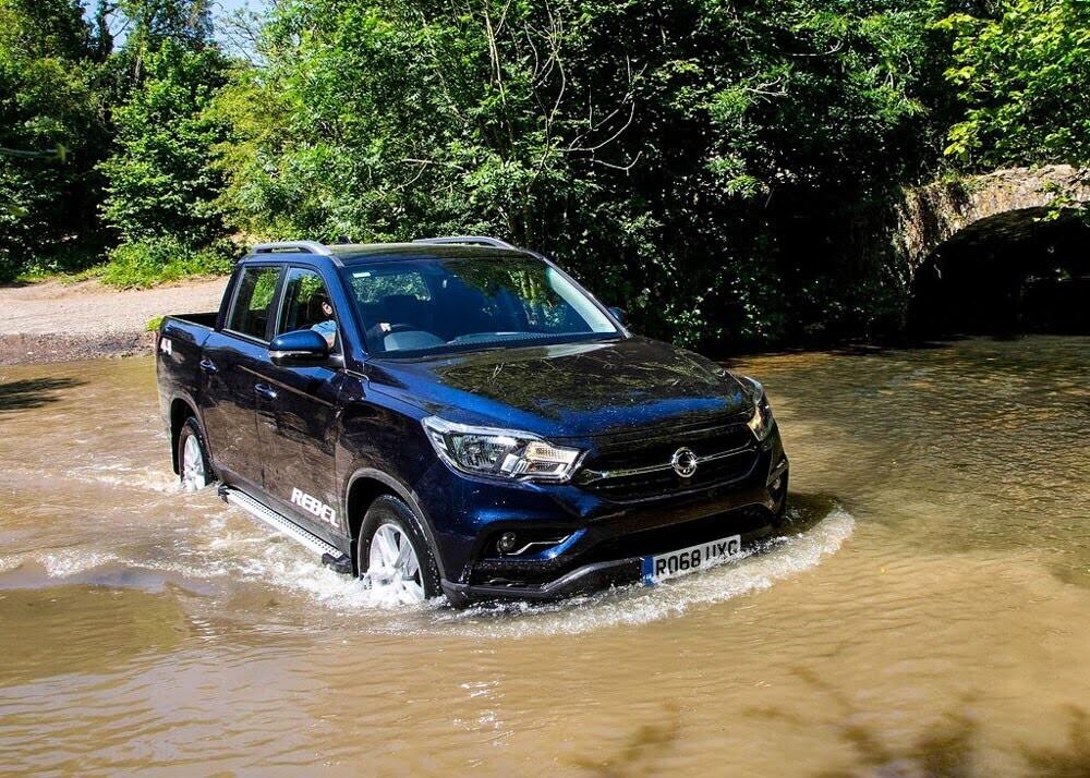 Chi tiết xe bán tải SsangYong Musso giá rẻ vừa ra mắt - Hình 10
