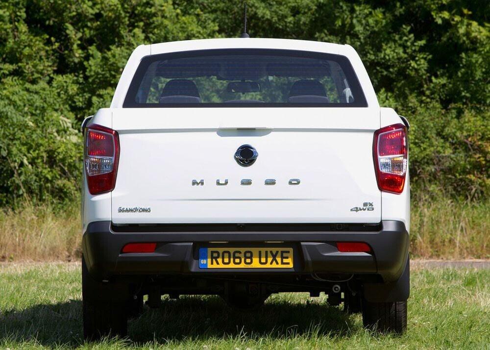 Chi tiết xe bán tải SsangYong Musso giá rẻ vừa ra mắt - Hình 12