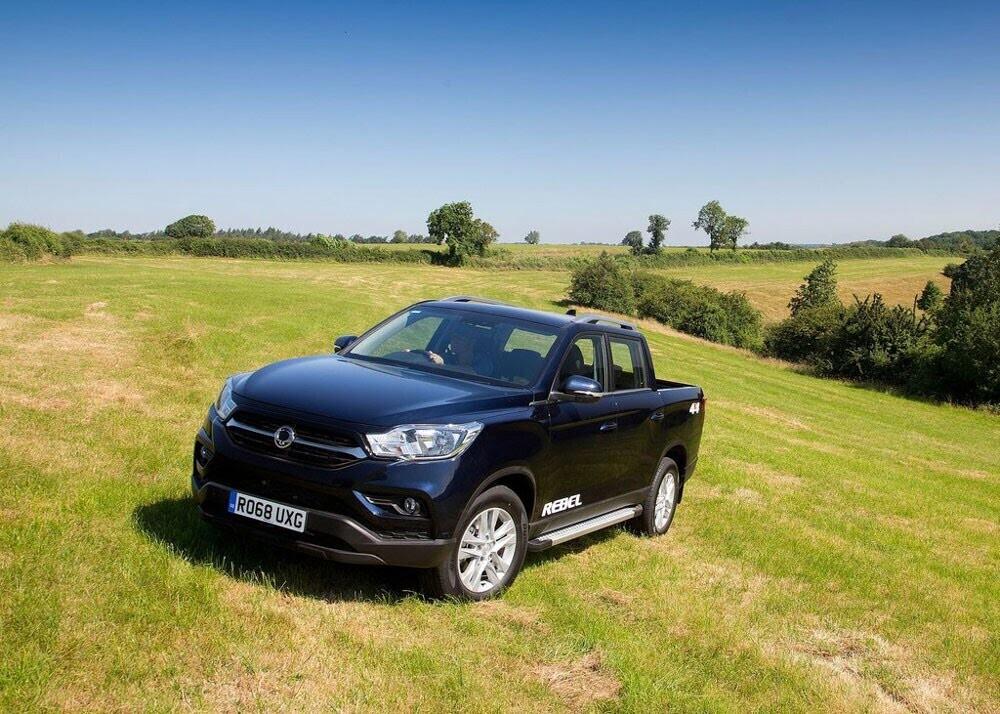 Chi tiết xe bán tải SsangYong Musso giá rẻ vừa ra mắt - Hình 13