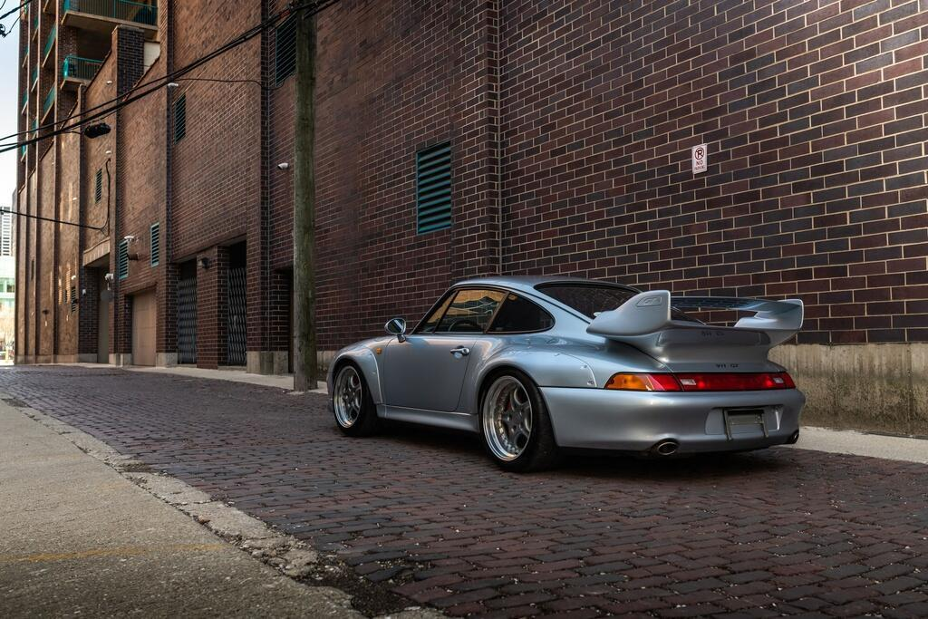 Chiec Porsche 993 GT2 hang hiem co gia trieu USD hinh anh 2 Porsche_911_GT2_2.jpg