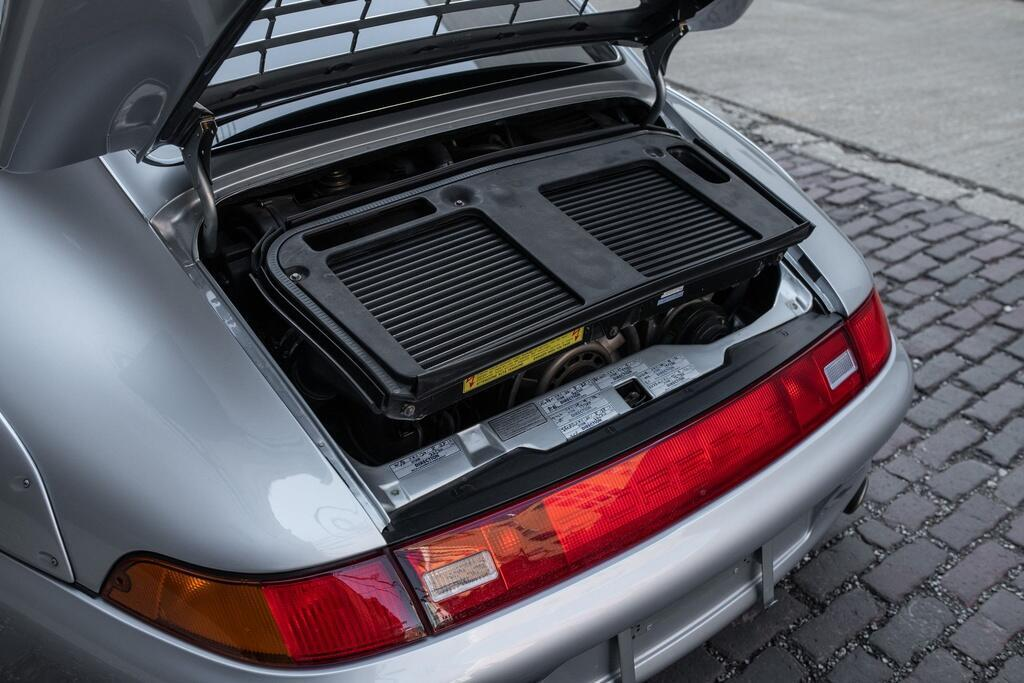 Chiec Porsche 993 GT2 hang hiem co gia trieu USD hinh anh 4 Porsche_911_GT2_14.jpg