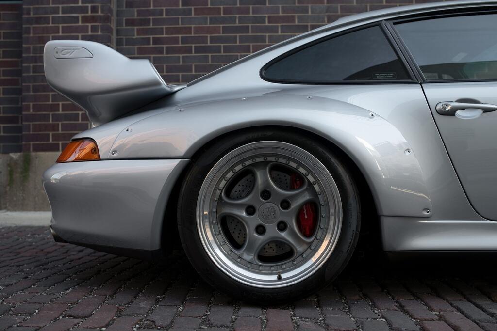 Chiec Porsche 993 GT2 hang hiem co gia trieu USD hinh anh 5 Porsche_911_GT2_9.jpg