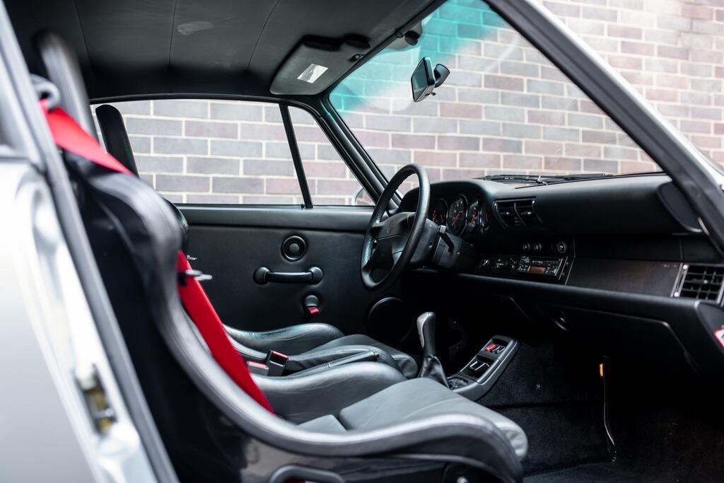 Chiec Porsche 993 GT2 hang hiem co gia trieu USD hinh anh 6 Porsche_911_GT2_11.jpg