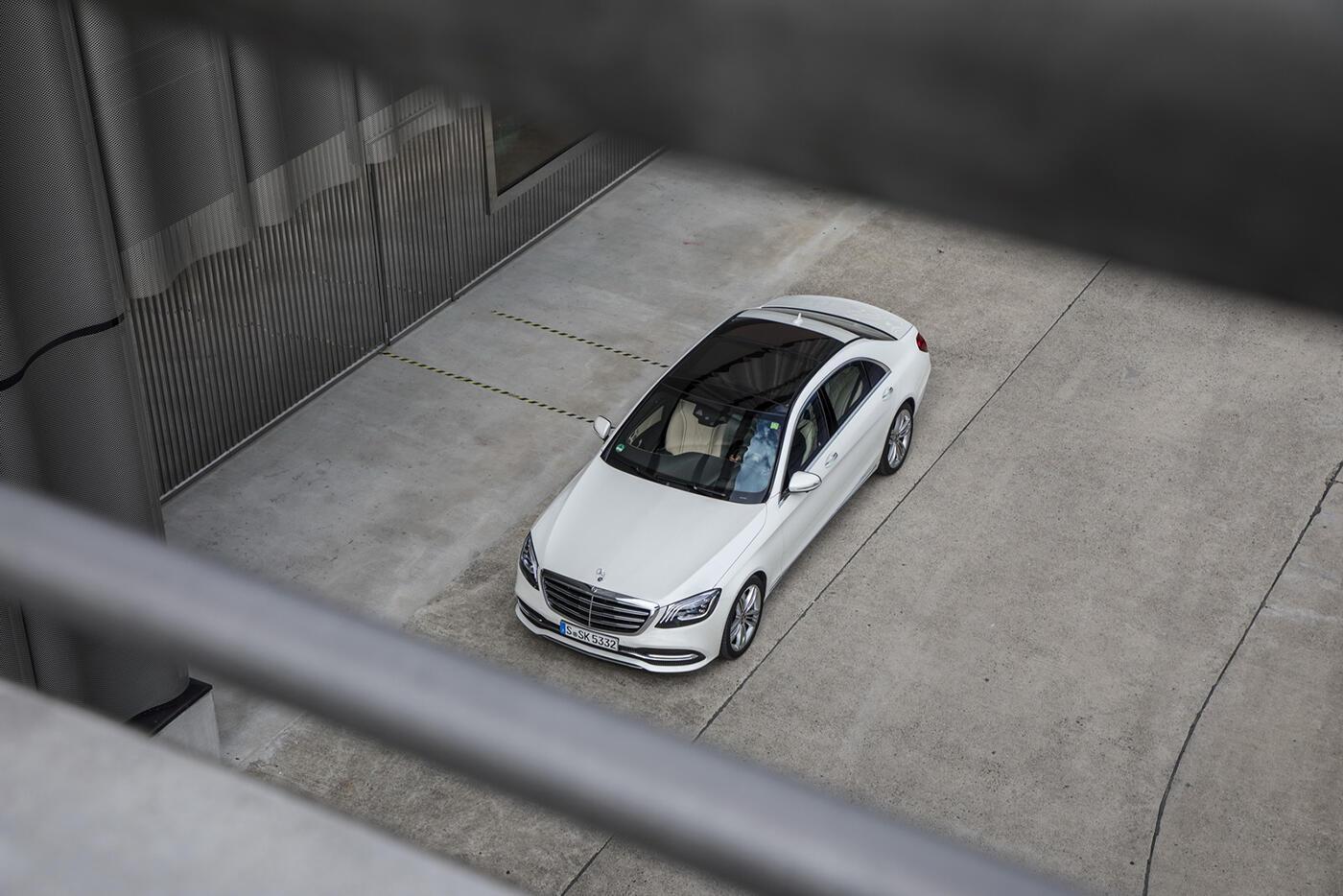 """Chiêm ngưỡng """"kiệt tác"""" Mercedes-Benz S-Class 2018 - Hình 6"""