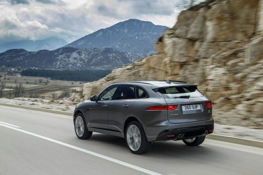 Chưa hài lòng với Jaguar F-Pace SVR, Lister tung ra một bản độ mạnh mẽ hơn nữa - Hình 3