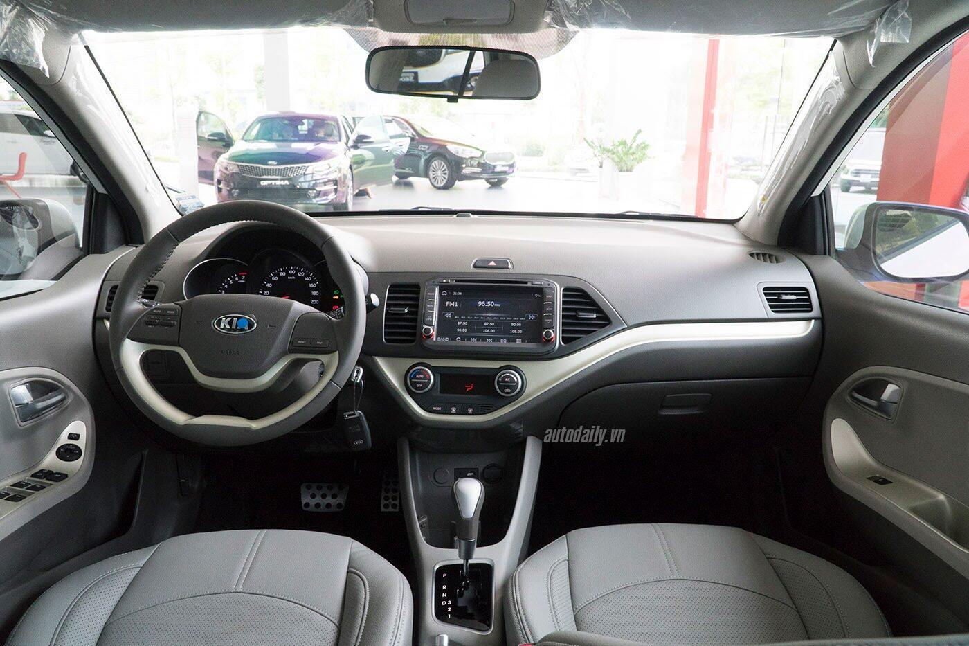 Có 400 triệu đồng, mua Hyundai Grand i10 hay Kia Morning? - Hình 11
