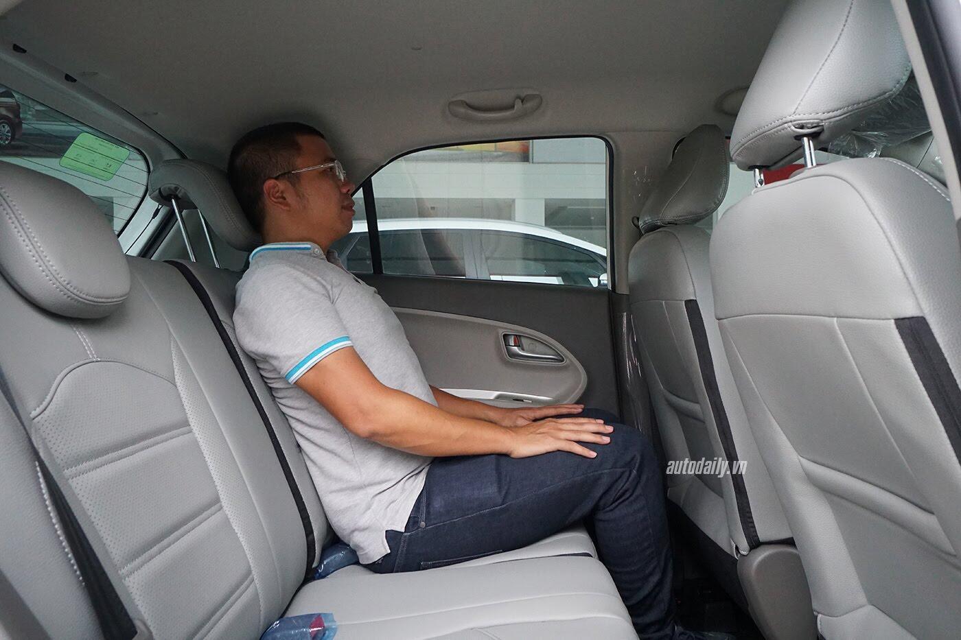 Có 400 triệu đồng, mua Hyundai Grand i10 hay Kia Morning? - Hình 13