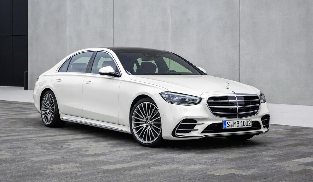 co-trong-tay-85-000-usd-chon-sedan-hang-sang-nao-cua-duc